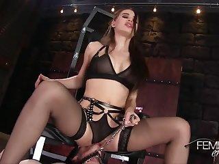 Lana Rhodes Femdom Pussy Worship