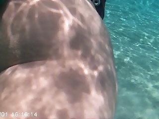 Mergulho com duas bucetinhas novinhas de..
