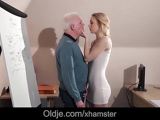 The Smutty Professor Anal Sex With Young..